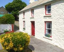 Snaptrip - Last minute cottages - Stunning Haverfordwest Farmhouse S5988 -
