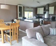 Snaptrip - Last minute cottages - Excellent Arkholme Lodge S51359 - Mallard