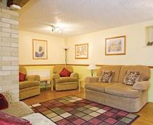 Snaptrip - Last minute cottages - Wonderful Harrogate Lodge S51362 - Beech Cottage
