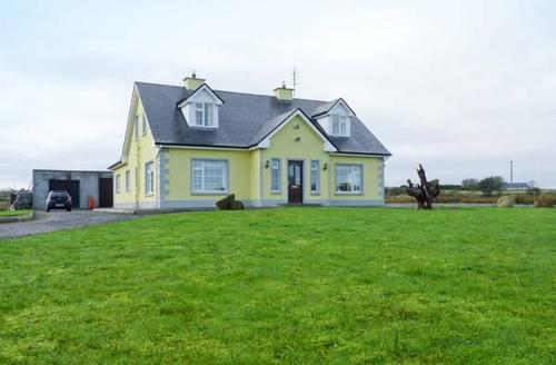Snaptrip - Last minute cottages - Exquisite  House S5997 -