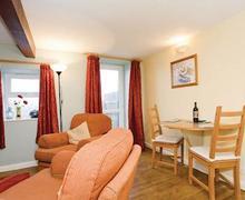 Snaptrip - Last minute cottages - Luxury Harrogate Lodge S51364 - Cedar Cottage
