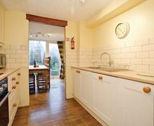 Snaptrip - Last minute cottages - Lovely Harrogate Lodge S51479 - Elm Cottage