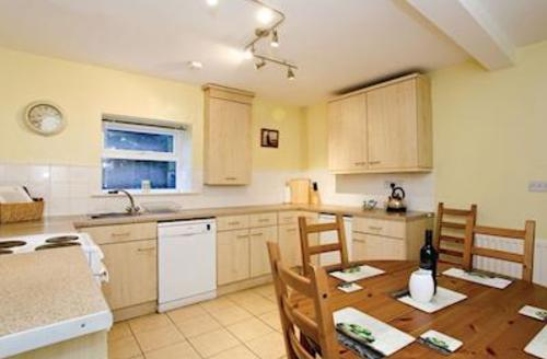 Snaptrip - Last minute cottages - Wonderful Harrogate Lodge S51514 - Oak Cottage