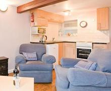 Snaptrip - Last minute cottages - Lovely Harrogate Lodge S51527 - Willow Cottage