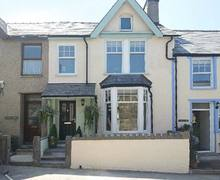 Snaptrip - Last minute cottages - Cosy Caernarfon House S6055 -