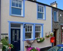 Snaptrip - Last minute cottages - Excellent Caernarfon Cottage S6056 -