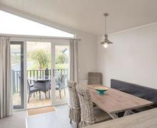 Snaptrip - Last minute cottages - Captivating Croyde Bay Lodge S51684 - Typical Harracott Lodge Plus
