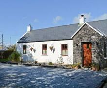 Snaptrip - Last minute cottages - Beautiful  Cottage S6096 -