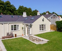 Snaptrip - Last minute cottages - Lovely Beaumaris Cottage S6098 -