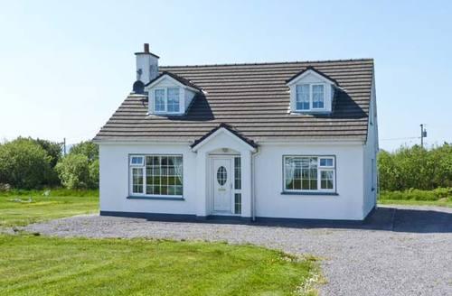 Snaptrip - Last minute cottages - Captivating  House S6103 -