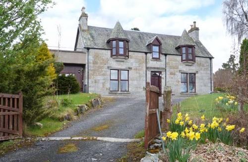 Snaptrip - Last minute cottages - Luxury Nethy Bridge Cottage S6110 -