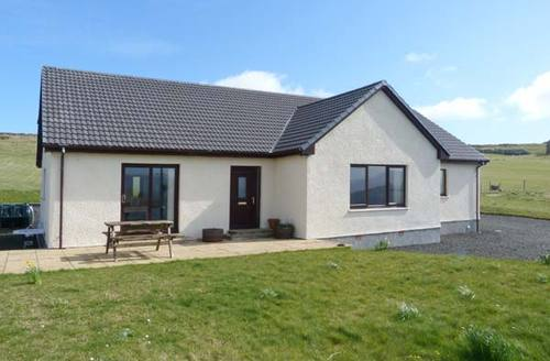 Snaptrip - Last minute cottages - Attractive Isle Of Skye Rental S6119 -