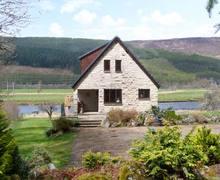 Snaptrip - Last minute cottages - Quaint Beauly Lodge S6129 -