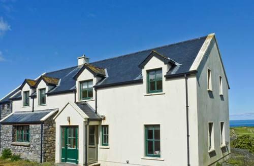 Snaptrip - Last minute cottages - Excellent  View S6148 -