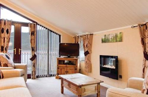 Snaptrip - Last minute cottages - Tasteful Bassenthwaite Lodge S52047 - Typical Lakeside Lodge 6