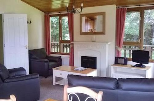 Snaptrip - Last minute cottages - Lovely Pentney Lodge S52207 - Typical Pentney Kingfisher Lodge