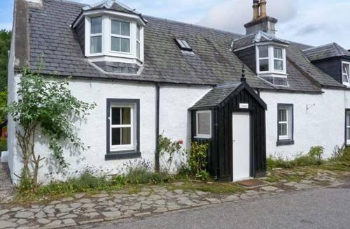 Snaptrip - Last minute cottages - Quaint Inverness Rental S6202 -
