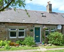 Snaptrip - Last minute cottages - Tasteful Dunbar Cottage S6206 -