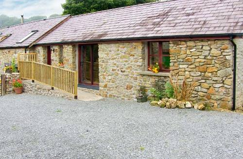 Snaptrip - Last minute cottages - Wonderful Llandysul Rental S6212 -