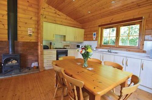Snaptrip - Last minute cottages - Tasteful Ledbury Lodge S52420 - Tangle Wood Lodge