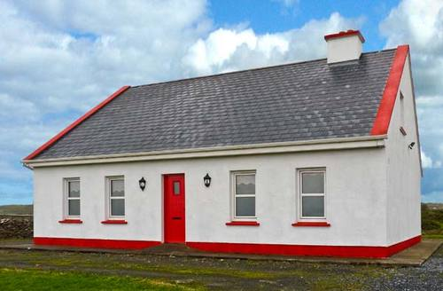 Snaptrip - Last minute cottages - Lovely  House S6264 -