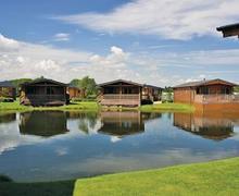 Snaptrip - Last minute cottages - Wonderful Brandesburton Lodge S52743 - The lodge setting