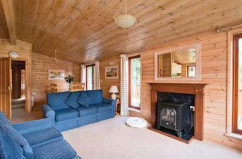 Snaptrip - Last minute cottages - Captivating Darley Moor Lodge S52800 - Haddon Classic 4
