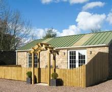 Snaptrip - Last minute cottages - Attractive Duns Cottage S6303 -