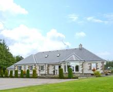 Snaptrip - Last minute cottages - Quaint Dingwall House S6316 -