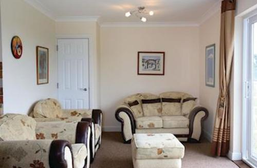 Snaptrip - Last minute cottages - Stunning Horseshoe Bay Lodge S52936 - Typical Sandown