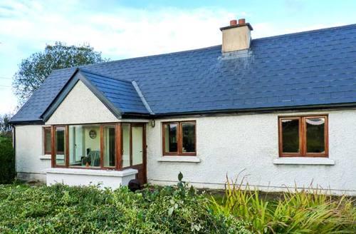 Snaptrip - Last minute cottages - Quaint  Cottage S6353 -