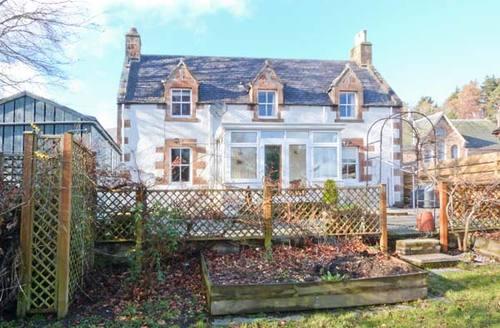 Snaptrip - Last minute cottages - Gorgeous Dingwall Cottage S6402 -