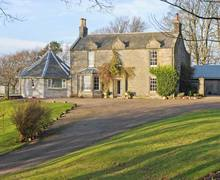 Snaptrip - Last minute cottages - Superb Dunfermline Cults S6408 -