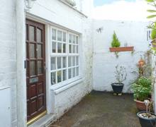 Snaptrip - Last minute cottages - Wonderful Kirkcudbright Bakery S6422 -