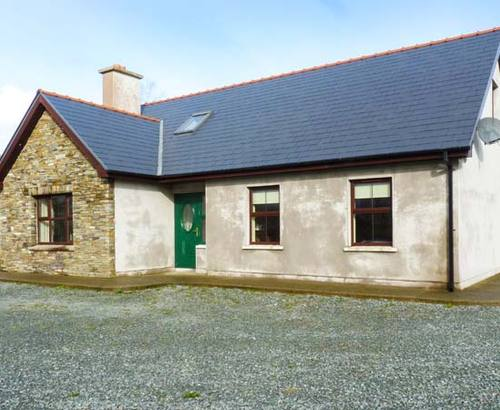 Beautiful cottage s6436 burke 39 s cottage bantry county for Country cottage kennel