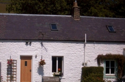 Snaptrip - Last minute cottages - Adorable Galashiels Cottage S262 - Galabank Cottage, self catering holiday cottage in Scotland Sleeping 2, Cottage Holiday Group