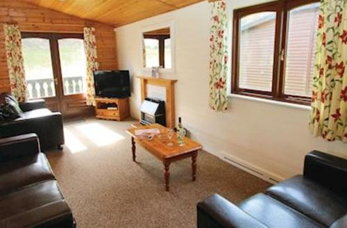 Snaptrip - Last minute cottages - Gorgeous Milford On Sea Lodge S53620 - Typical Select Plus Lodge 3
