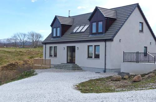 Snaptrip - Last minute cottages - Inviting Isle Of Skye Rental S6468 -