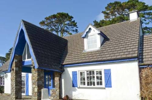 Snaptrip - Last minute cottages - Beautiful Ahakista, County Cork House S6489 -