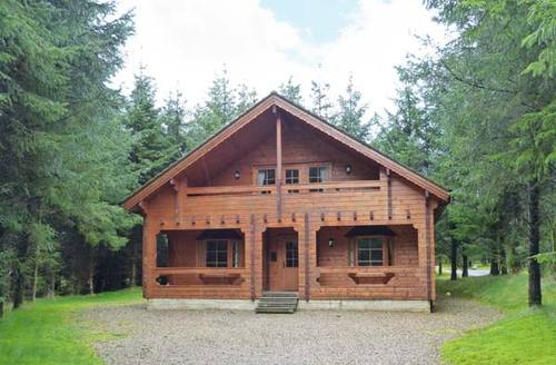 Snaptrip - Last minute cottages - Inviting  Lodge S6524 -