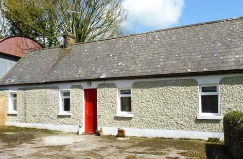 Snaptrip - Last minute cottages - Exquisite  Cottage S6537 -
