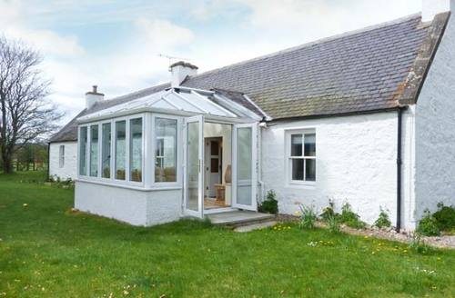 Snaptrip - Last minute cottages - Captivating Nethy Bridge Cottage S6546 -