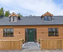 Snaptrip - Last minute cottages - Luxury Poulton Le Fylde Cottage S6618 -
