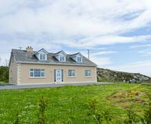 Snaptrip - Last minute cottages - Adorable Galway Cottage S6648 -