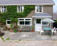 Snaptrip - Last minute cottages - Tasteful Clynderwen Cottage S6650 -