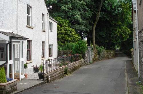 Snaptrip - Last minute cottages - Splendid Kendal Cottage S6653 -