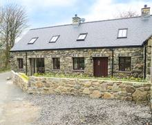 Snaptrip - Last minute cottages - Wonderful Llwyngwril Cottage S6693 -