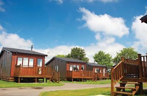 Snaptrip - Last minute cottages - Excellent New Romney Lodge S54849 - Typical Silver Plus Lodge 3