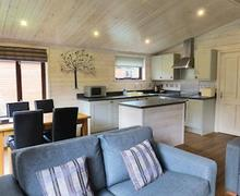 Snaptrip - Last minute cottages - Splendid Darley Moor Lodge S54914 - Chatsworth Elite 2 Spa Plus
