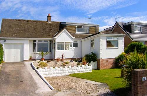 Snaptrip - Last minute cottages - Excellent Llandudno Cottage S6722 -